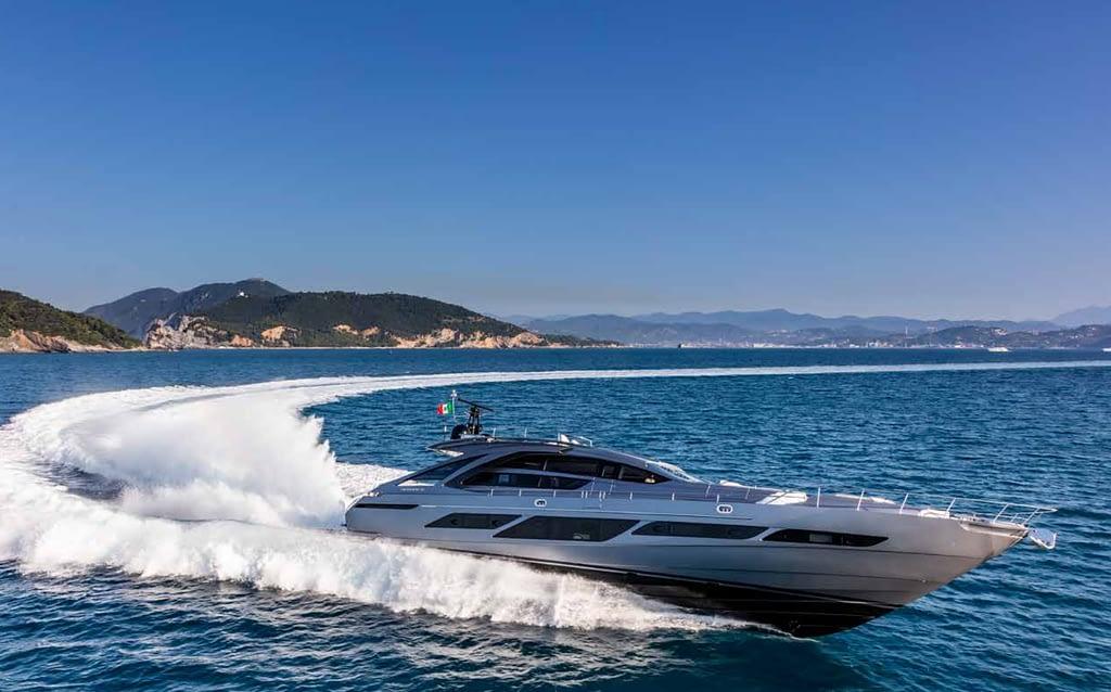 Pershing Yacht Forte dei Marmi