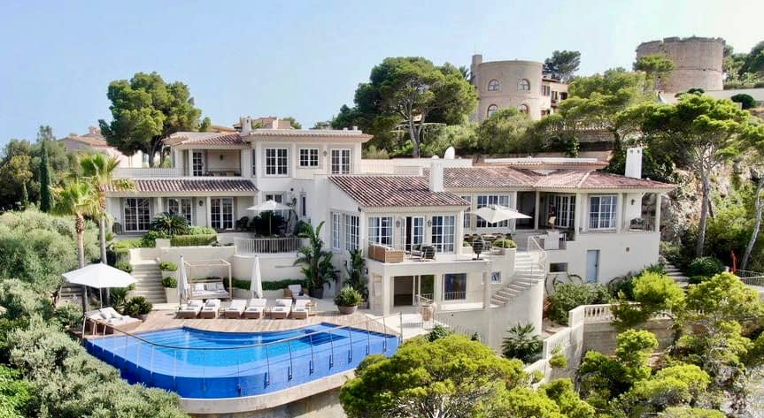 Exquisite Seafront Villa in Port D'Andratx in Mallorca