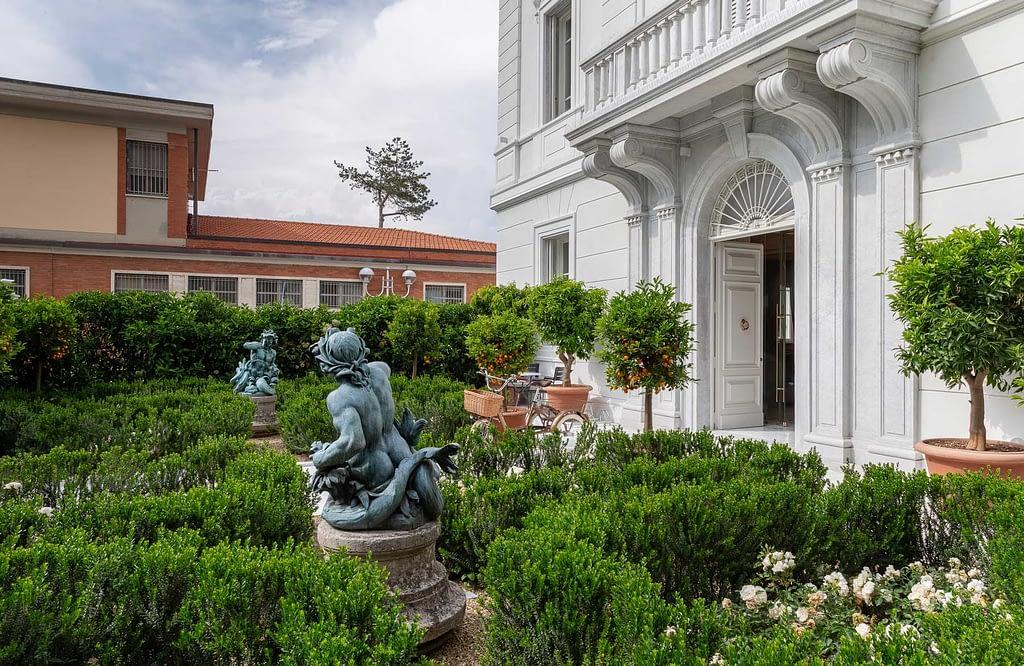 La Datcha Forte dei Marmi Ultra Luxury Villa Rental Tuscany Italy